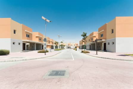3 Bedroom Villa for Rent in Al Samha, Abu Dhabi - Well Maintained 3+M Villa with Private Garden