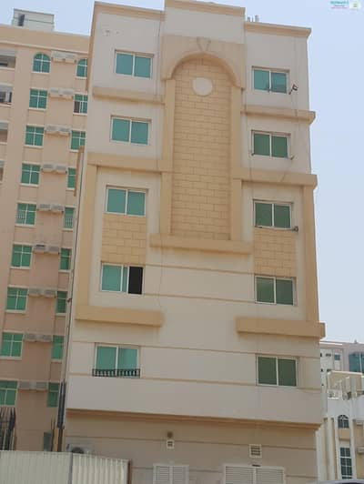 STUDIO FLAT WITH SPLIT A/C IN BUTEENA AREA