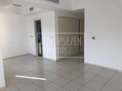 3 Bedroom Villa for Sale in The Lakes, Dubai - Large 3 Beds Villa for Sale in The Lakes