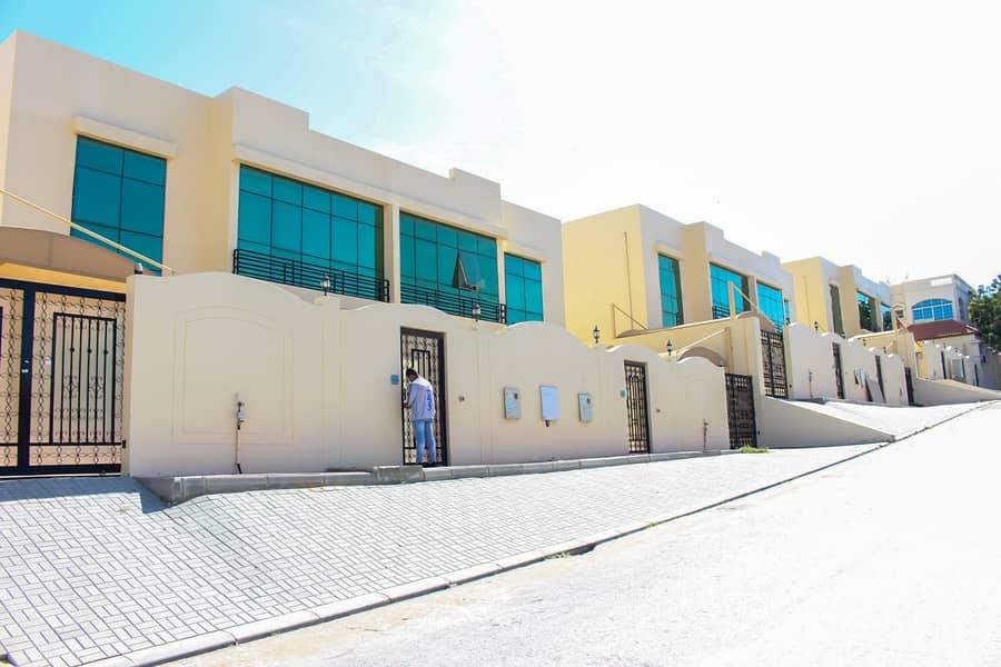 Luxurious 4 Bedroom villa for rent in Khuzam on a prime spot