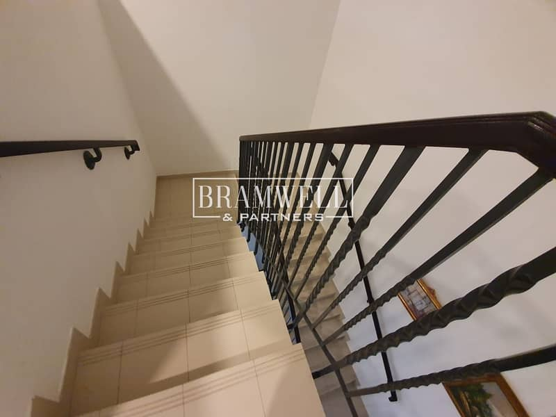 12 Beautiful Fully Furnished Townhouse Available Now For Rent!
