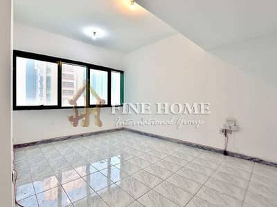 2 Bedroom Flat for Rent in Al Mina, Abu Dhabi - Vacant & Spacious! 2BR Apartment