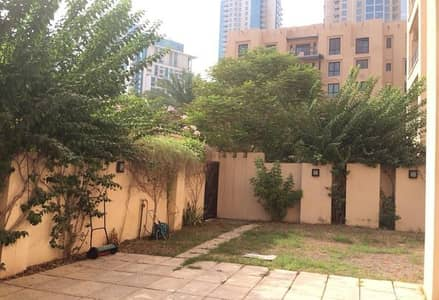 1 Bedroom Flat for Rent in Old Town, Dubai - Private Garden | 1Bed | Well Maintained
