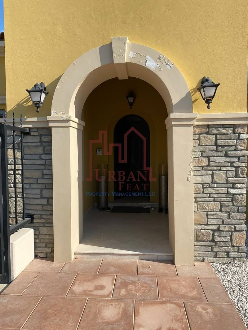 2 Fully Furnished 5BR villa w/ luxurious layout