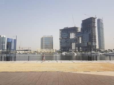 محل تجاري  للايجار في الخليج التجاري، دبي - FULL CANAL VIEW I idealy for shisha cafe I  Huge shop I Business Bay I  easy access to main road  I  4600sq.ft