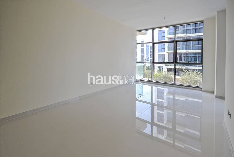 2 Spacious One Bed | Open Plan | Pool View |
