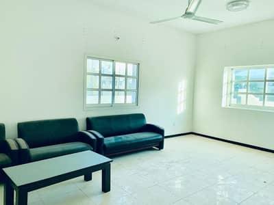 Clean villa for a very cheap price in Al Rawda