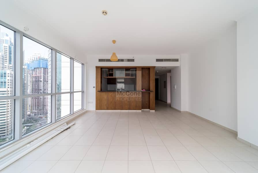 2 High Floor / Bright and Spacious / Vacant Now