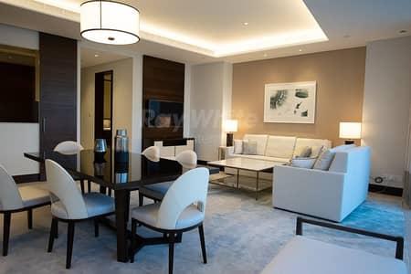 شقة 2 غرفة نوم للبيع في وسط مدينة دبي، دبي - Investor Deal luxury and  Spacious with  Burj & Fountain View