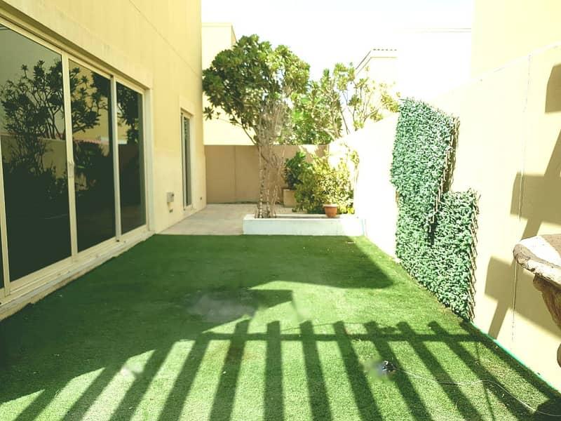 2 Landscaped Garden