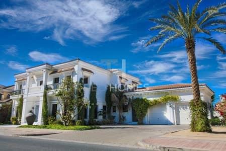 5 Bedroom Villa for Sale in Palm Jumeirah, Dubai - Resort-style Signature Villa|Private Beach Access