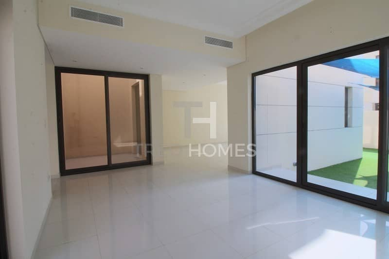 TH-H | 4 Bed + Maid's | Near to Pool