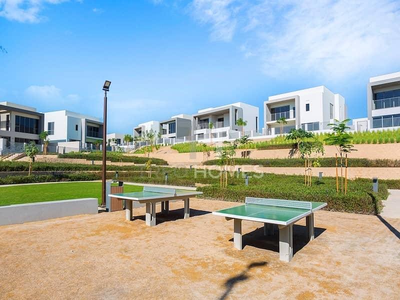 19 Stunning Park View | Corner Plot | E3 | 4Beds+Maid