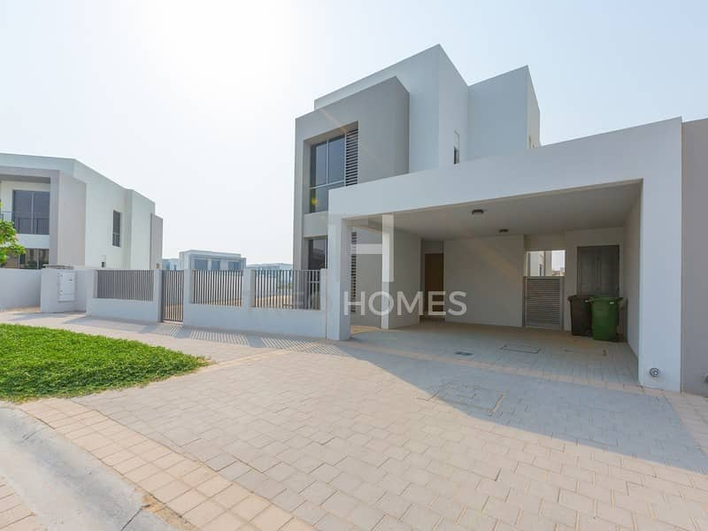 Largest 5 Bed | Single Row | Park Facing