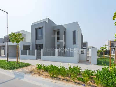 5Bed+Maid   Park View   Brand New