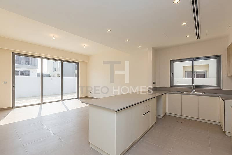 2 Great Price   3 Bed + Maids   Brand New Villa