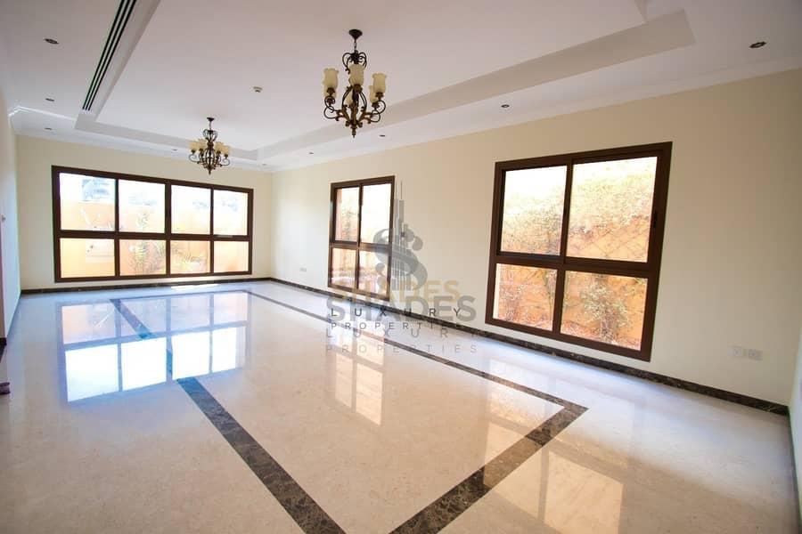 31 Modern and stylish 4BR Huge Adjacent villa