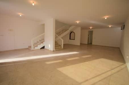 6 Bedroom Villa for Rent in Al Karamah, Abu Dhabi - Elegant and Spacious Villa with Amazing Amenities