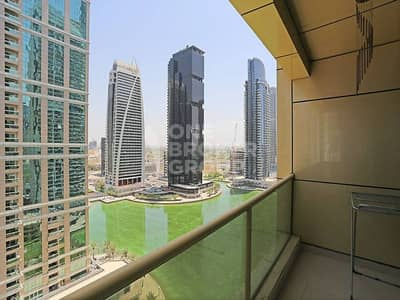 Fully-Furnished 1 Bed Apt with Lake View