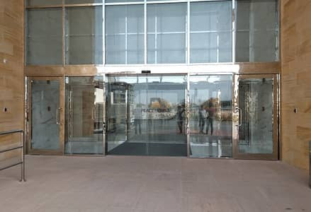 Shop for Rent in Jumeirah Village Circle (JVC), Dubai - SIZE-ABLE RETAIL SPACE | AVAILABLE IN JVC
