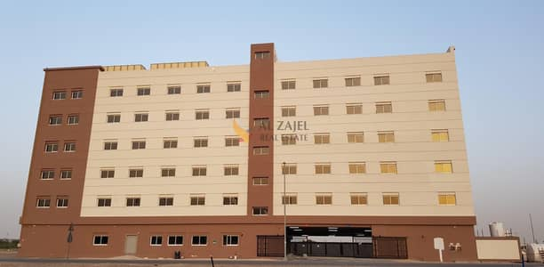 سكن عمال  للايجار في الورسان، دبي - Affordable rooms now Available in a newly acquired Labour Camp