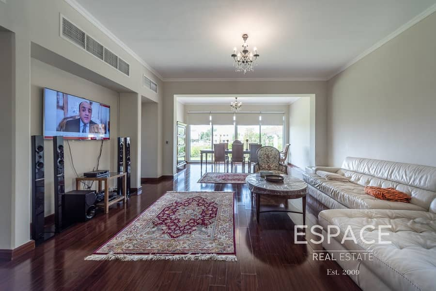 2 Community Expert-Lake View- Private Pool