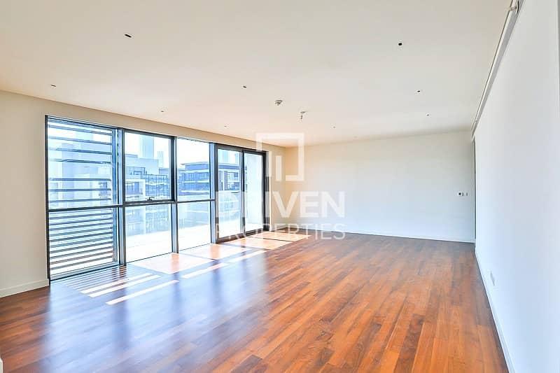 2 Premium 4 Bedroom Penthouse in City Walk