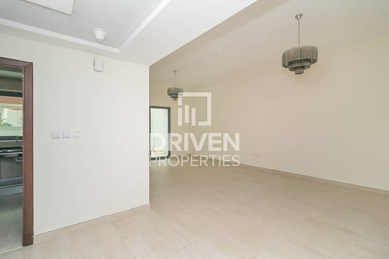 16 Spacious 3 Bedroom Apartment | Chiller Free