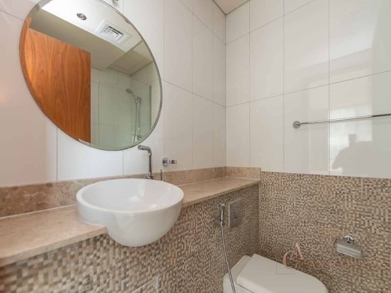 12 Fully Furnished I 1 Bedroom Apartment I Canal View