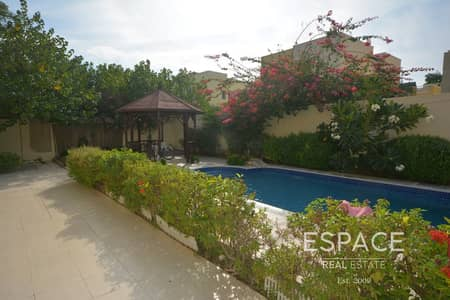 4 Bedroom Villa for Rent in The Meadows, Dubai - Private Pool | Facing The Lake