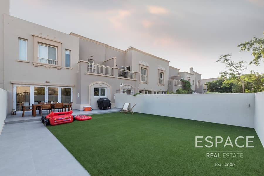 12 Fully Upgraded and Extended 3 Beds Villa