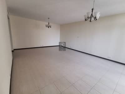 شقة 3 غرف نوم للايجار في الجافلية، دبي - Huge Apartment ... 2 Mins to Metro ... Only For Families