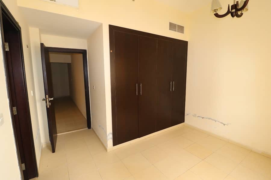 1 bedroom with balcony for rent in Gates 3, Silicon Oasis