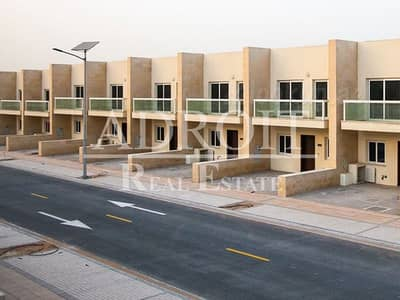 3 Bedroom Townhouse for Sale in International City, Dubai - Quality Family Living | Stunning 3BR + Maids Room!