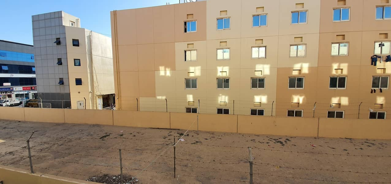 10 Well Maintained Labour Camp| Multiple Units| near Al Khalil Mall - Al Quoz 3