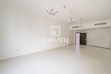 4 Bedroom Apartment for Rent in Bur Dubai, Dubai - 4Bed plus Maid | Chiller Included | Metro