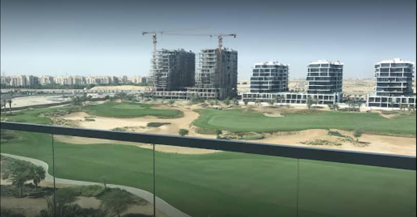 Spacious Studio in Golf Horizon with Nice Balcony
