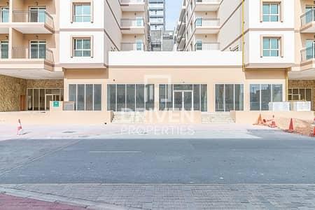 محل تجاري  للايجار في قرية جميرا الدائرية، دبي - Exclusive | Retail Shop | Shell and Core