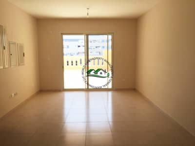 12 cheques l Huge Balcony l Free Amenities & Parking