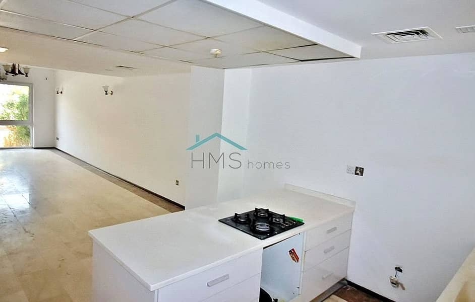 2 4 Bdr   Terraced Townhouse   Vacant