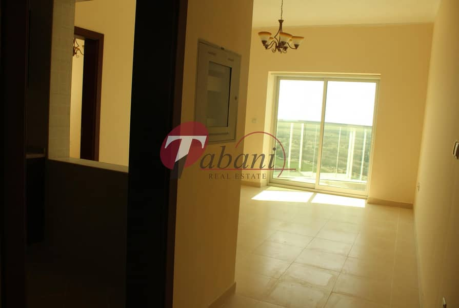 2 Golf Course View   1 Bed   Open Kitchen   Ready to Move