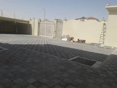 فیلا 9 غرف نوم للايجار في جنوب الشامخة، أبوظبي - فیلا في جنوب الشامخة 9 غرف 160000 درهم - 4503819