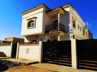 5 Bedroom Villa for Sale in Al Rawda, Ajman - Villa for sale in a great location