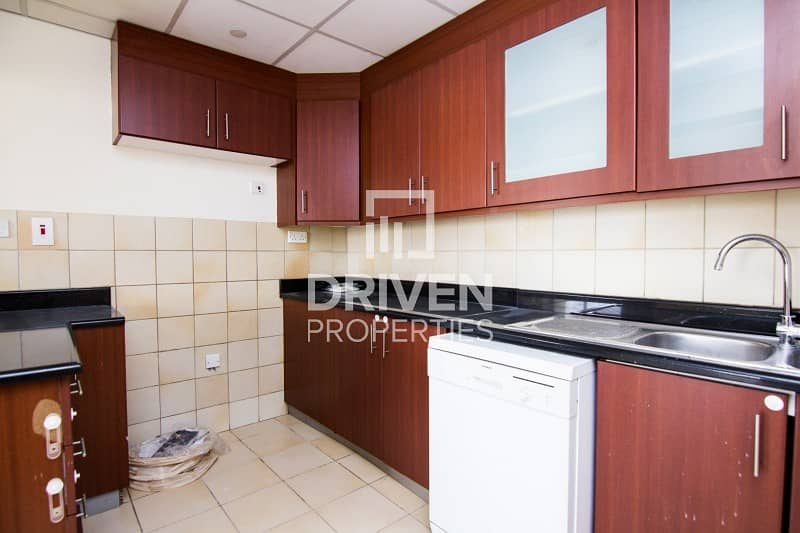 10 Well-maintained 3 Bedroom Apt in Sadaf 5