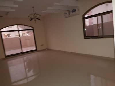 6 bedroom villa for rent in al Rawda 2
