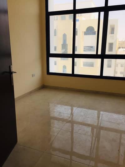 شقة 3 غرف نوم للايجار في مصفح، أبوظبي - شقة في شعبية مصفح 3 غرف 55000 درهم - 4538960