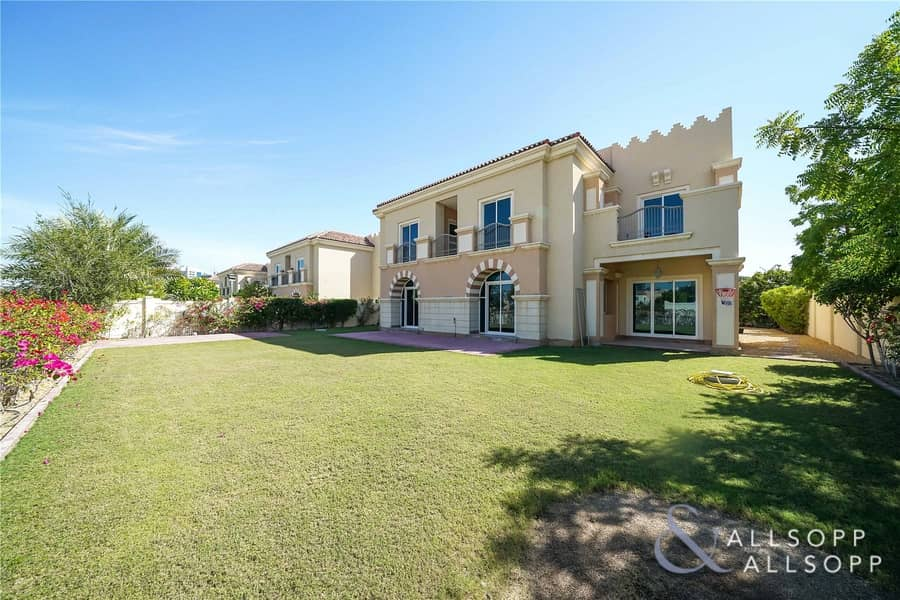 Vacant | Golf Course Views | 5 Bed B Type