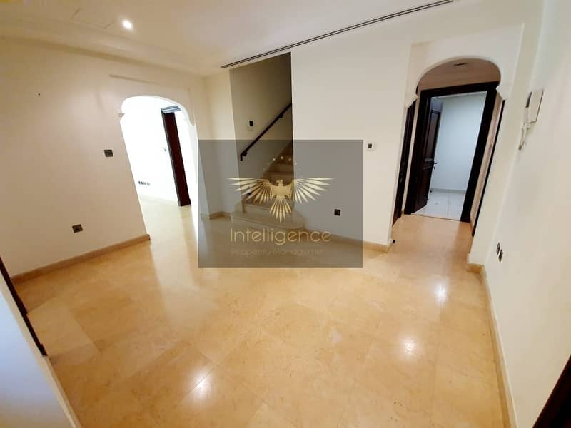 2 Hot Deal/Elegant Townhouse for an Ideal Investment