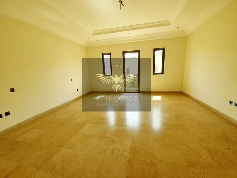 13 Hot Deal/Elegant Townhouse for an Ideal Investment