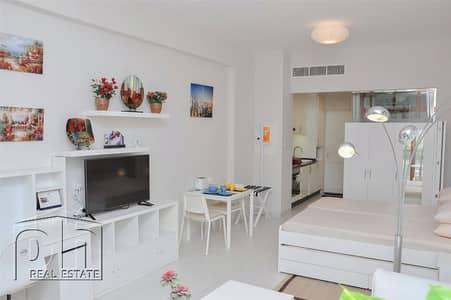 شقة 1 غرفة نوم للايجار في نخلة جميرا، دبي - Stunning Sea Views - Pool & Gym Facilities